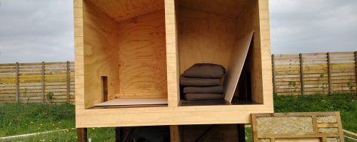 Udskæring af udvendige plader til låger, samt plader og isolering af tårn.