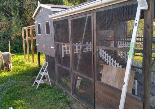 Male og montere lille hegn og lave trådlåge til gård 2